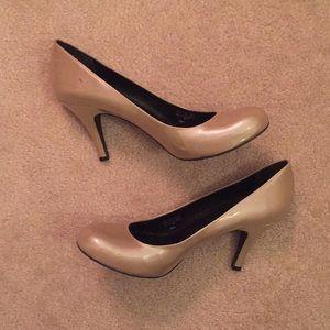 Gianni Bini Champagne Heels